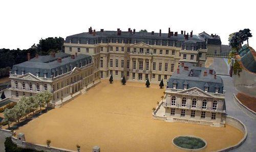 800px-Maquette_chateausaint-cloud